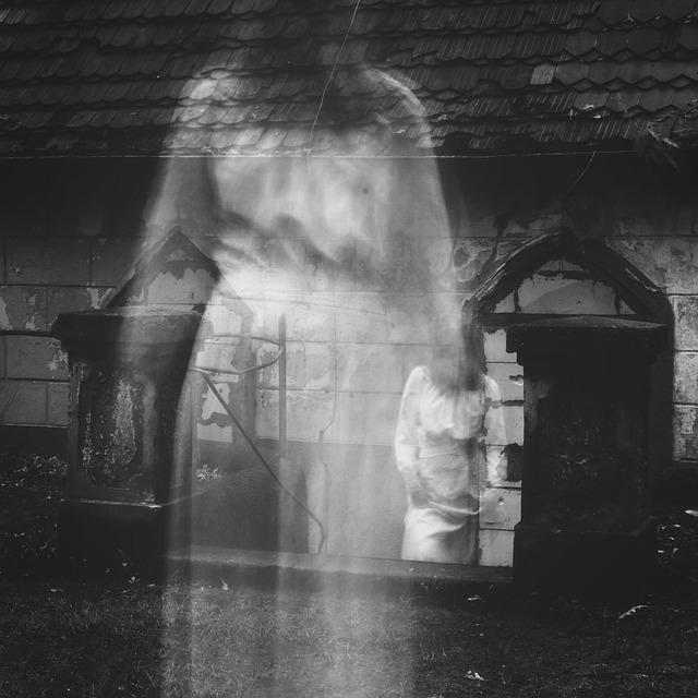 duch na hřbitově