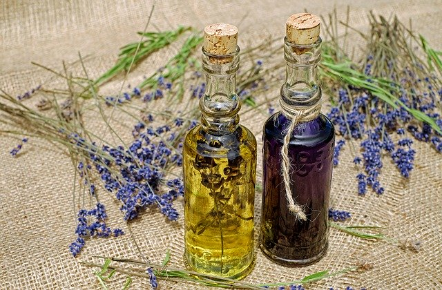 Výroba bylinného oleje není složitá