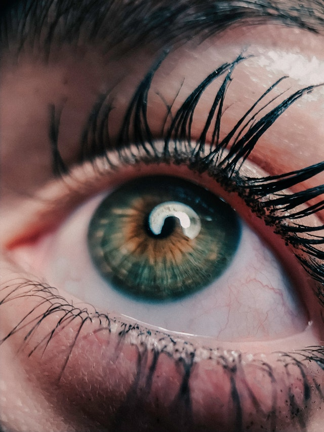 Oko s řasenkou